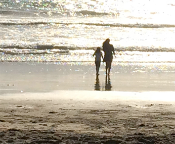Sylvie&Mira at the beach